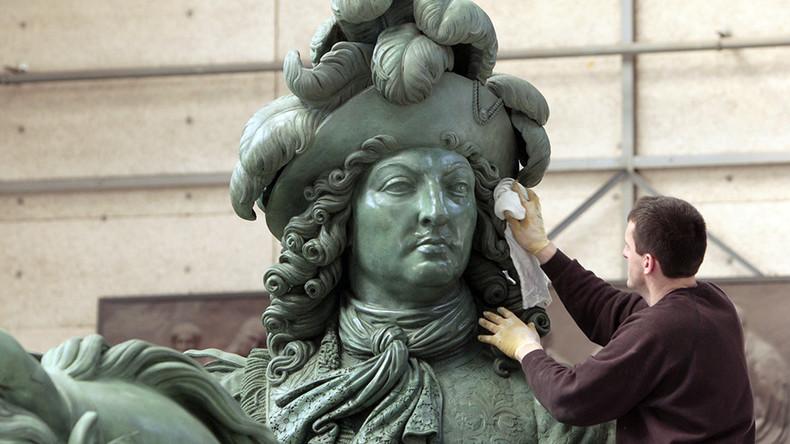 Sondage : 29% des Français se disent prêts à voter pour un candidat royaliste
