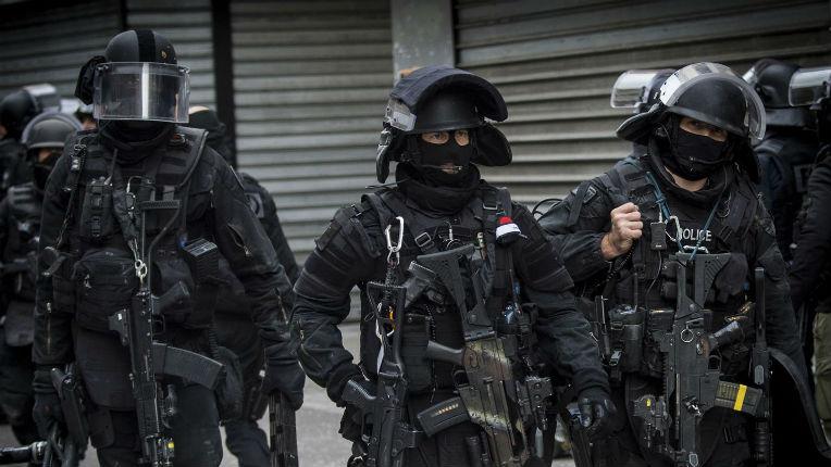 Opération anti-terroriste à Bordeaux et en région parisienne, deux femmes et quatre hommes ont été interpellés