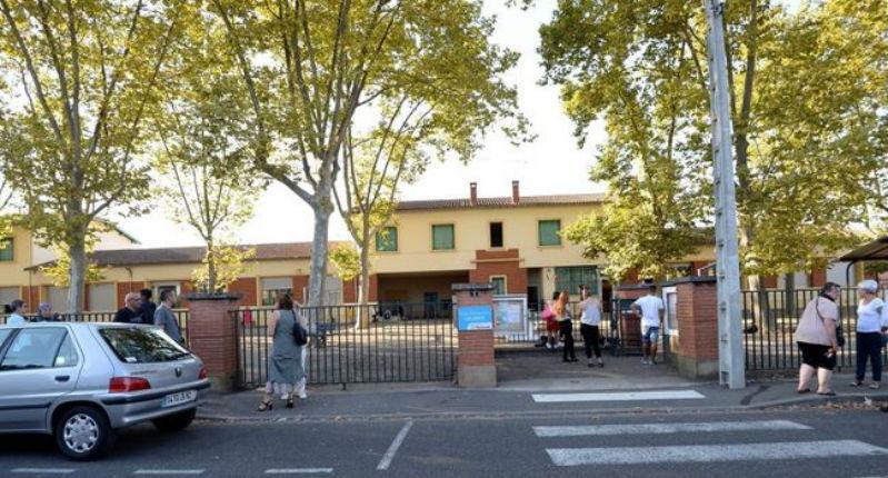 Montauban (82) : Un homme entre armé d'un couteau dans une école