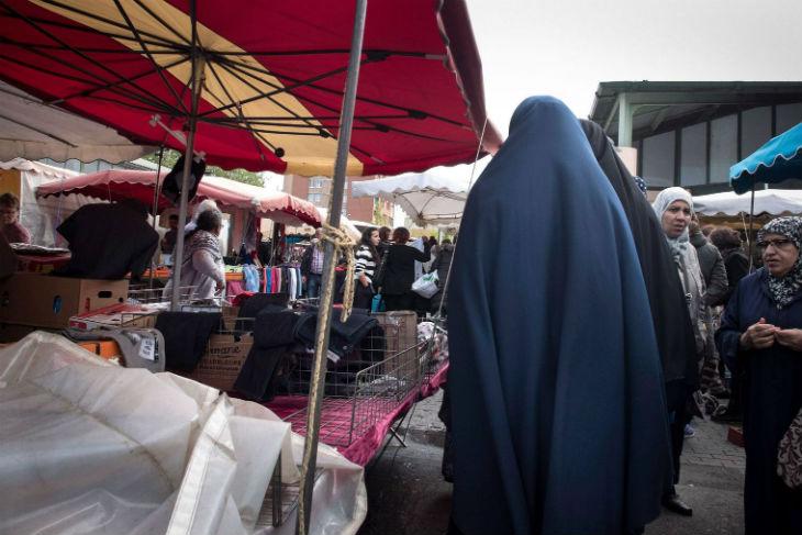 Saint-Denis: des salafistes et agents municipaux s'allient contre les laïcs