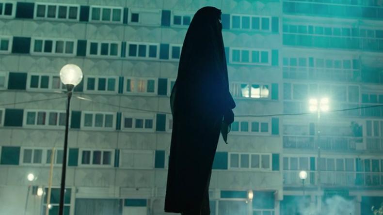 [Vidéo] Vincent Cassel en burqa dans un court métrage : coup de com' ou prise de position ?
