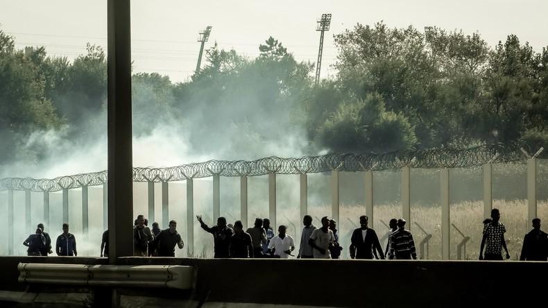 [Vidéo] Calais : violents affrontements entre migrants et policiers