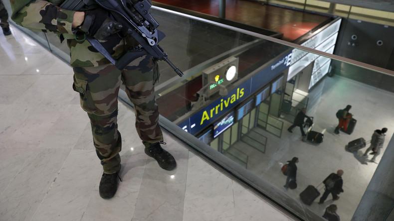 [Vidéo] «Aucun contrôle aux frontières» : de retour de Syrie en France, un militant de Génération Identitaire témoigne