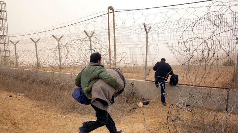 [Vidéo] Israël construit un mur anti-terroriste en béton pour renforcer la frontière avec la Judée Samarie
