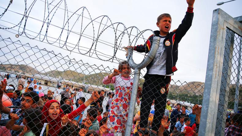 L'Union Européenne va offrir des cartes de crédit rechargeables chaque mois aux réfugiés syriens avec les impôts des contribuables…