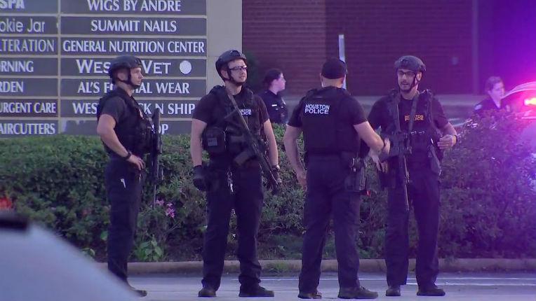 EN DIRECT – Etats-Unis : une fusillade à Houston aurait fait sept blessés. Le tireur Afro-Américain a été abattu