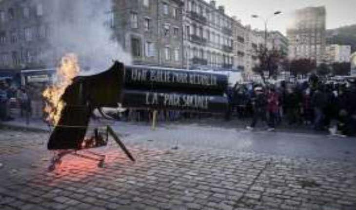[Vidéo] Saint-Etienne: Une contre-manifestation «pacifiste» selon les médias, aux cris de «tout le monde déteste la Police»