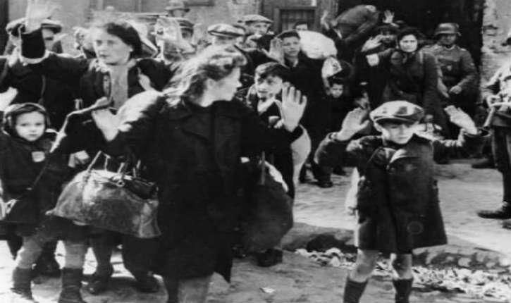 Victoire sur le négationnisme: 13 millions de documents des camps de concentration mis en ligne