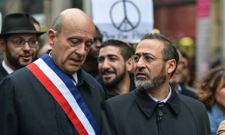 Selon Omar Djellil, les Frères Musulmans en France, l'UOIF, font campagne dans les mosquées pour Alain Juppé