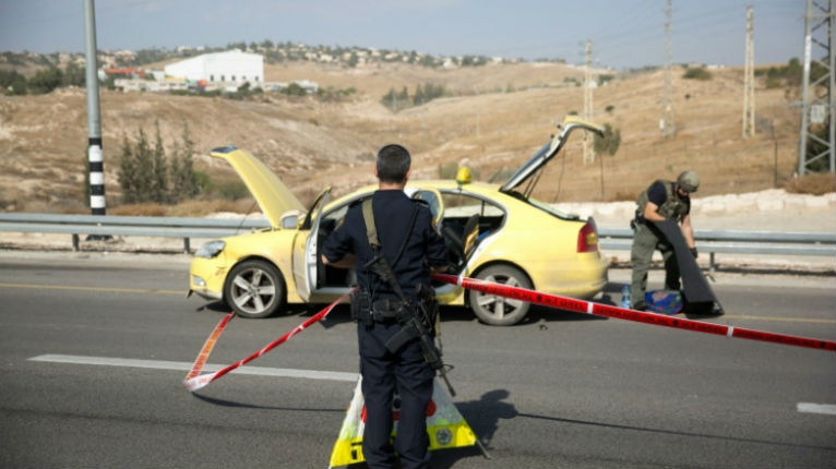 Judée Samarie : 2 policiers légèrement blessés dans une attaque à la voiture bélier