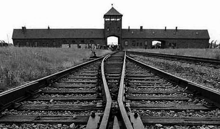 Auschwitz: La réalité virtuelle plonge la police dans l'enfer du camp de concentration