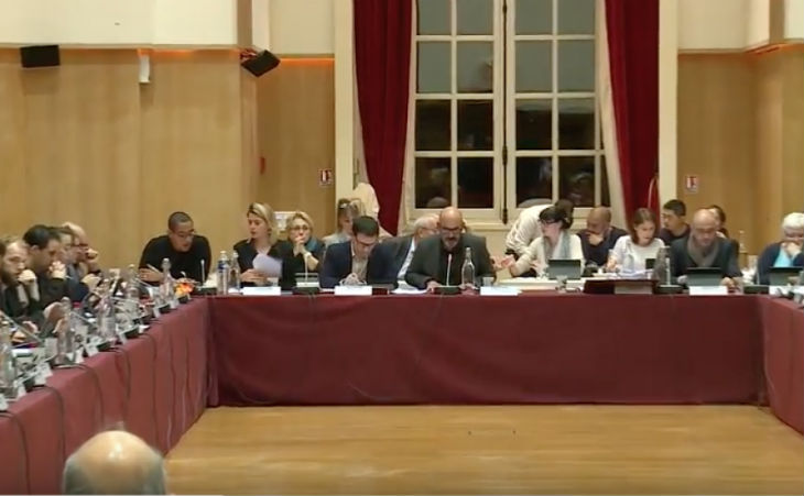 [Vidéo] Les islamo-gauchistes du conseil municipal d'Ivry sur Seine votent pour le boycott des produits israéliens et soutiennent le mouvement antisémite BDS