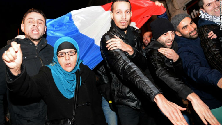 France : La bombe à retardement de l'Islamisation «28% adhèrent à l'islam radical sur fond de théorie du complot et d'antisémitisme»