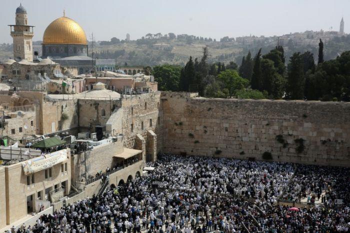 L'UNESCO aux mains des pays Arabes veut islamiser Jérusalem : Nouveau vote pour nier et condamner la « présence juive » dans la Vieille Ville de Jérusalem. La France s'abstient !