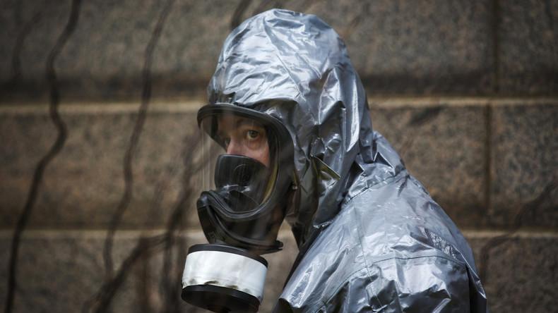 Irak : déploiement de soldats britanniques équipés de masques à gaz et de kits anti-radiations