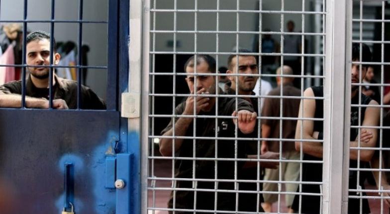 «Droit du travail» : 277 terroristes prisonniers en Israël se plaignent de ne pas avoir été payé ce mois-ci par Mahmoud Abbas
