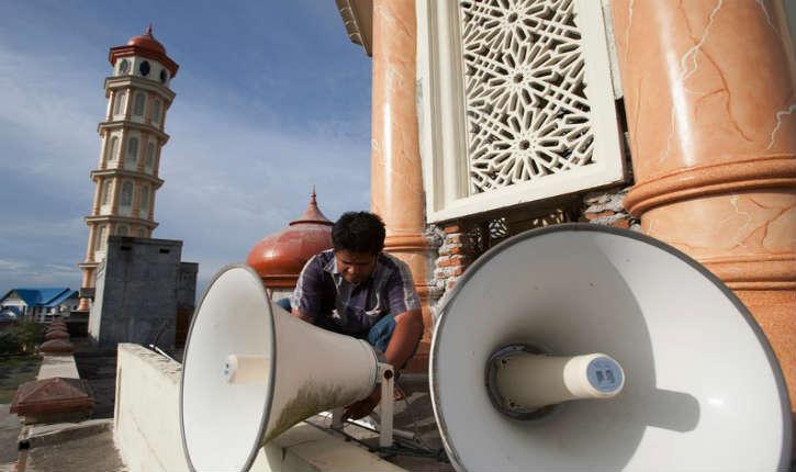 Pourquoi d'autres pays, assourdissent les appels des muezzins mais Israël ne le peut pas?