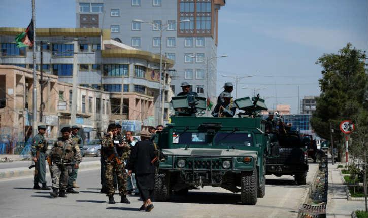 Afghanistan : attaque au camion-suicide contre le consulat allemand par des talibans, au moins 2 morts et 84 blessés