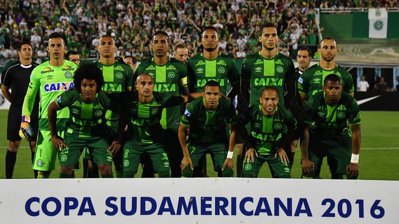 76 morts dans le crash de l'avion transportant une équipe de football brésilienne