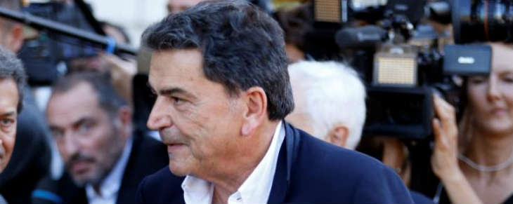 Le député LR Pierre Lellouche lance une proposition pour la destitution de F. Hollande