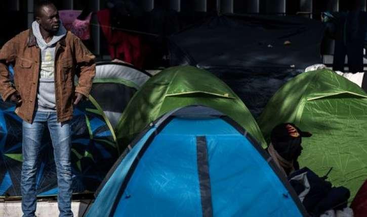 Migrants: Un campement d'une centaine de tentes s'est constitué à Saint-Denis