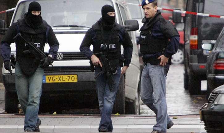 Un terroriste présumé arrêté à Rotterdam, une kalashnikov et un drapeau de Daesh retrouvés