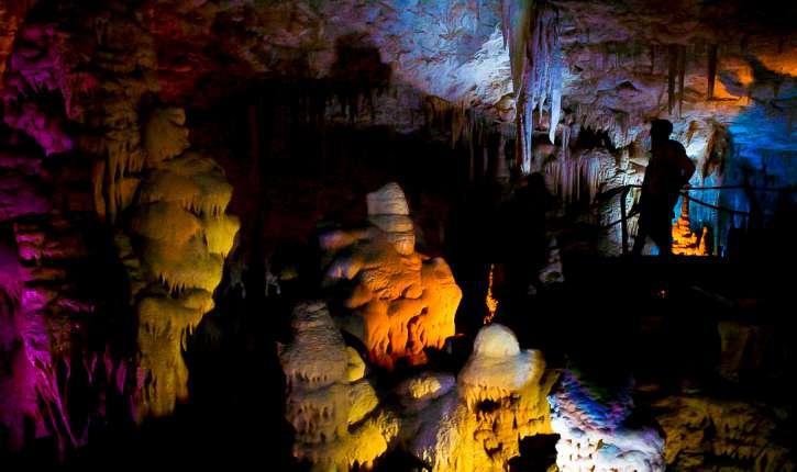 [Photos]La grotte d'Avshalom: une merveille naturelle nichée dans les collines de Judée