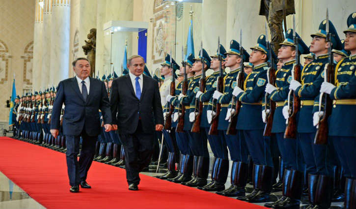 Visite historique de Benjamin Netanyahu dans deux pays musulmans, l'Azerbaïdjan et le Kazakhstan, les médias font la sourde oreille