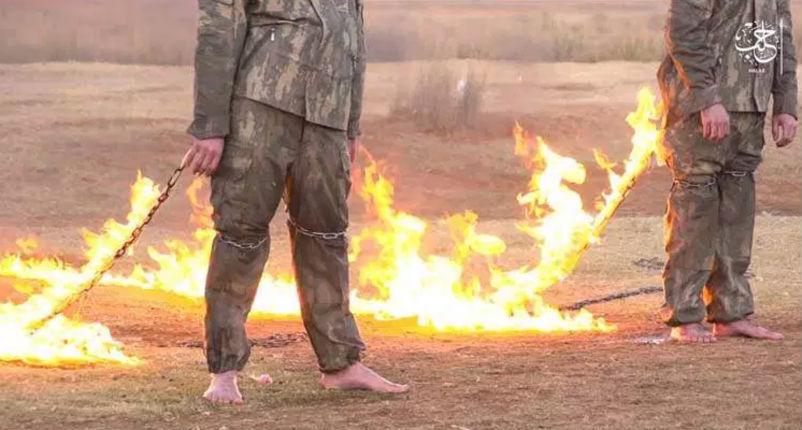 [Vidéo] Nouvelle barbarie islamiste : Deux soldats Turcs brûlés vifs par Daesh à Alep