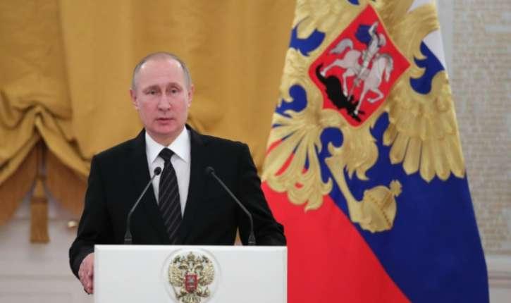 La Russie «n'expulsera personne» en réponse aux sanctions américaines (Poutine)