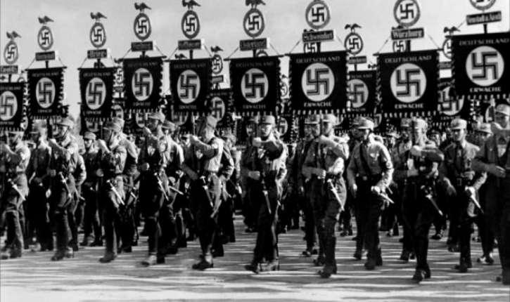 Taïwan: «Voici Hitler! Etudiants, saluez-le», des lycéens réalisent un défilé nazi pour la fête de l'école