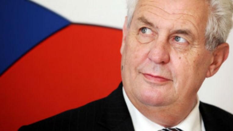 Le président tchèque Miloš Zeman déclare au sujet d'Israël : «Je pense que la paix au Proche-Orient doit tout d'abord se baser sur la sécurité de ce pays»