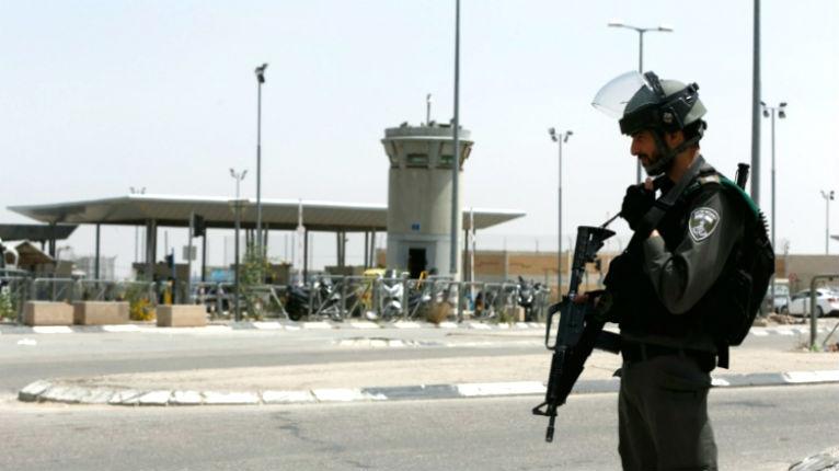 Judée Samarie : tentative d'attentat à la voiture bélier contre des soldats au cri de «Allah Akbar»