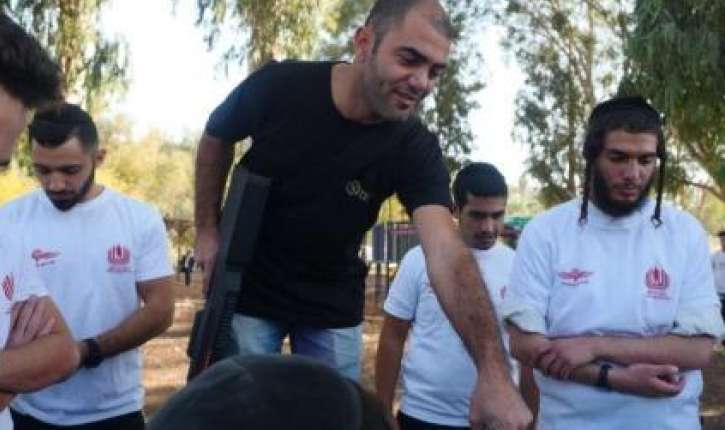 Tsahal: première promotion de parachutistes orthodoxes