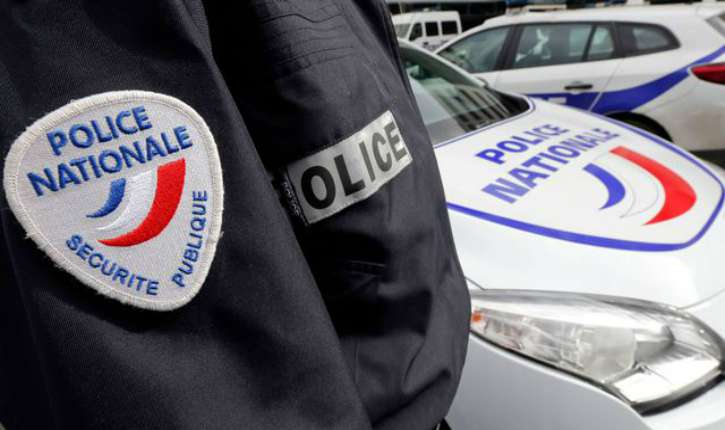 """Villeurbanne : un homme armé d'un couteau et muni d'un Coran se jette sur les policiers en criant """"Allah Akbar"""""""