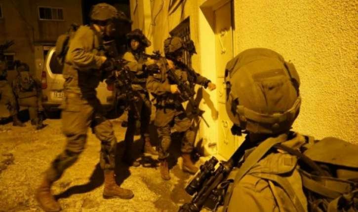 Israël arrête 13 suspects liés au groupe terroriste Hamas au cours d'opérations en Judée-Samarie