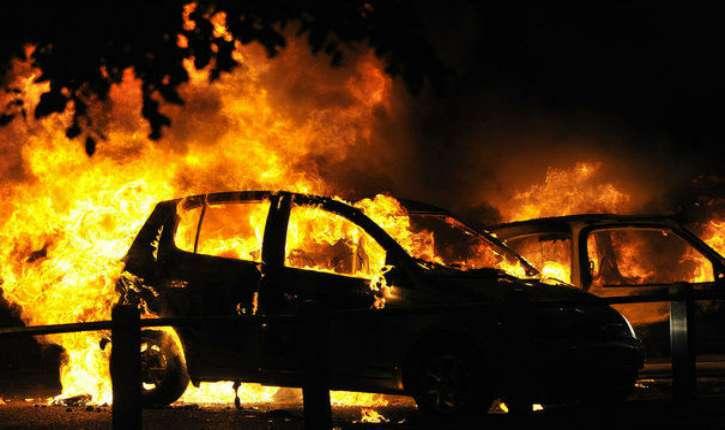 week-end du 14 juillet : 845 voitures brûlées, 508 gardés à vue