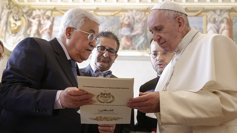 Lorsque le Pape François se mêle de politique, se comporte-t-il en Chrétien ?