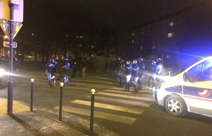 [Vidéo] Compiègne : affrontements entre des dizaines de racailles et la police