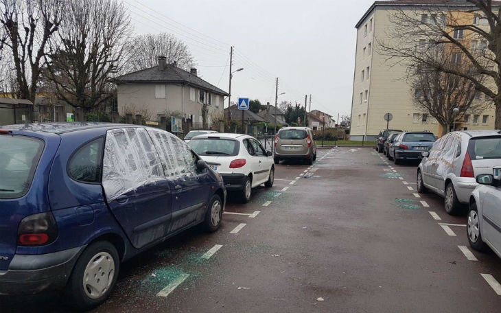 Une bande de racailles armées saccage un quartier de Juvisy-sur-Orge en toute impunité, les habitants sous le choc