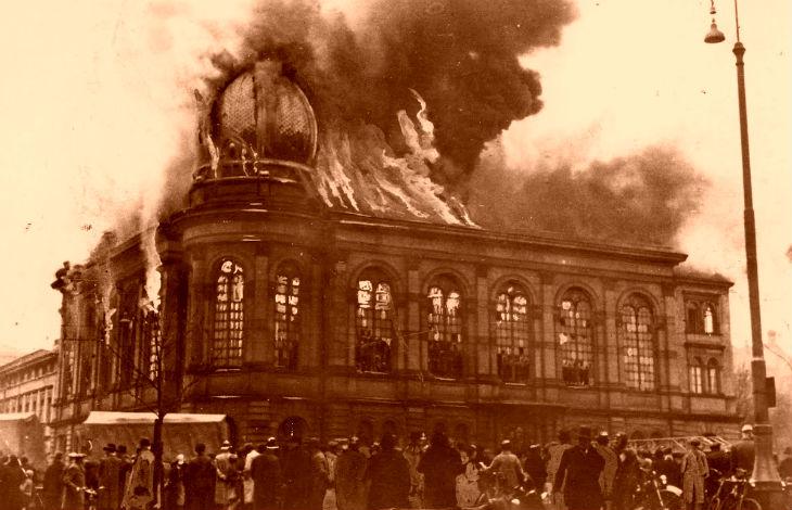 Plus d'avenir pour les Juifs d'Europe : Tandisqu'unetête de cochon devant un centre islamique soulève l'indignation, brûler une synagogue n'est pas un acte antisémite…
