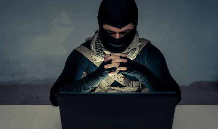 France : les Islamistes chassent en meute sur Facebook