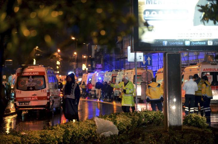 [Vidéo] L'Etat islamique revendique l'attentat d'Istanbul, la police arrête huit suspects