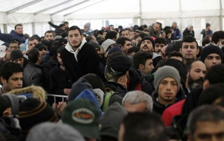 Migrants : C'est la «porte ouverte aux terroristes», un journaliste raconte son infiltration dans les centres d'asile
