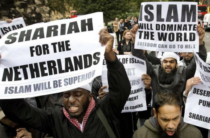 Pays-Bas : Geert Wilders promet de faire fermer les mosquées et interdire le Coran et lance une campagne de dé-islamisation