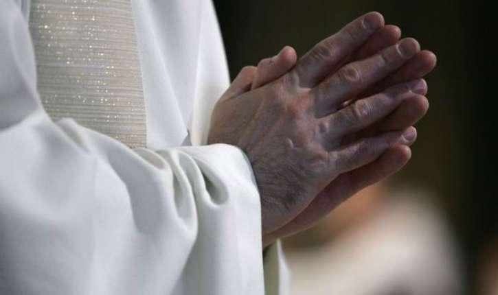 Montfort l'Amaury (78). Un prêtre de 88 ans torturé et violé par des roumains