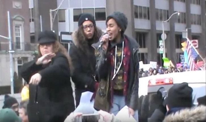 Selon une organisatrice de Black Lives Matter, Trudeau est un «terroriste suprémaciste blanc»