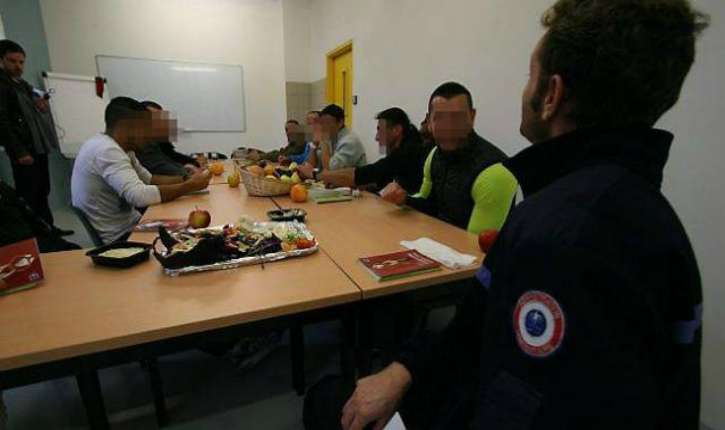Angoulême : Agression d'un jeune de 15 ans «sale français, mécréant». Non musulman, il lui était reproché de manger du porc