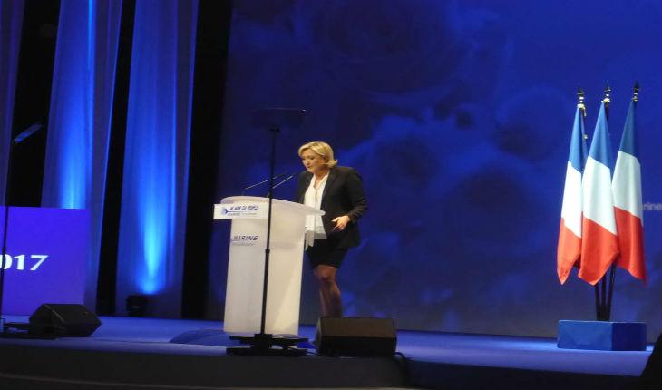 Nantes : les bus de partisans de Marine Le Pen attaqués par des anti-FN