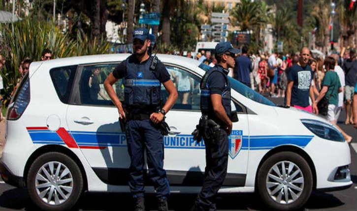 Paris : un stock de tenues de service, gilets pare-balles, matraques, menottes… destiné à doter lafuture police municipale a été dérobé